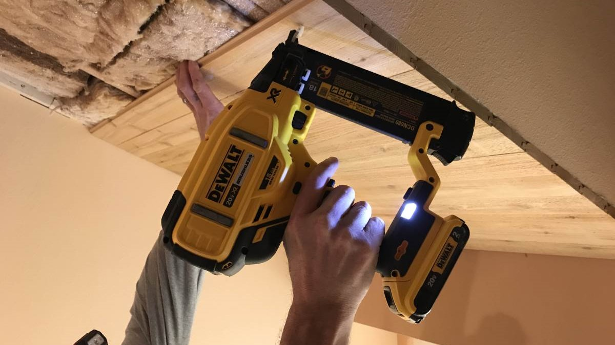 DeWalt DCN680D1 Cordless Brad Nailer Kit Review