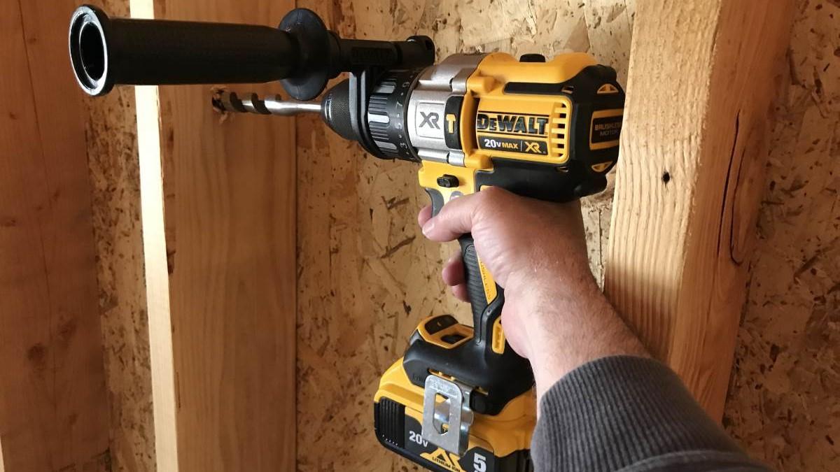 DeWalt 20V Max XR Cordless Hammer Drill Review DCD996