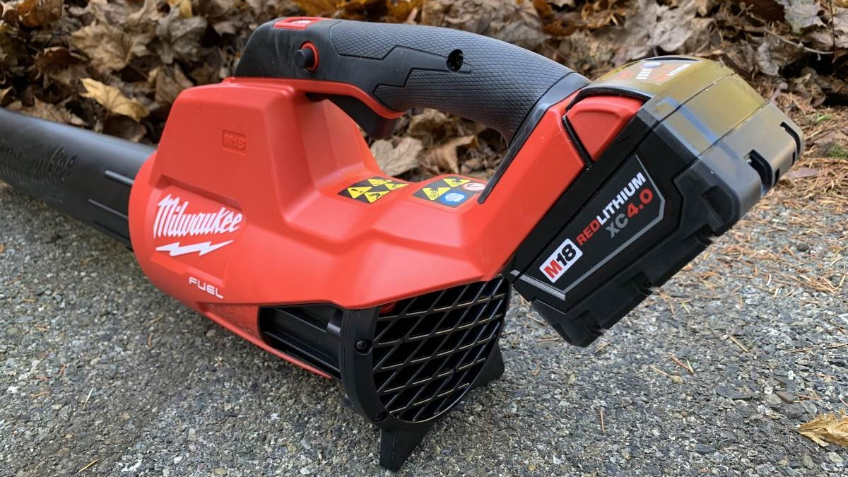 Milwaukee M18 FUEL Cordless Blower Review 2724-21
