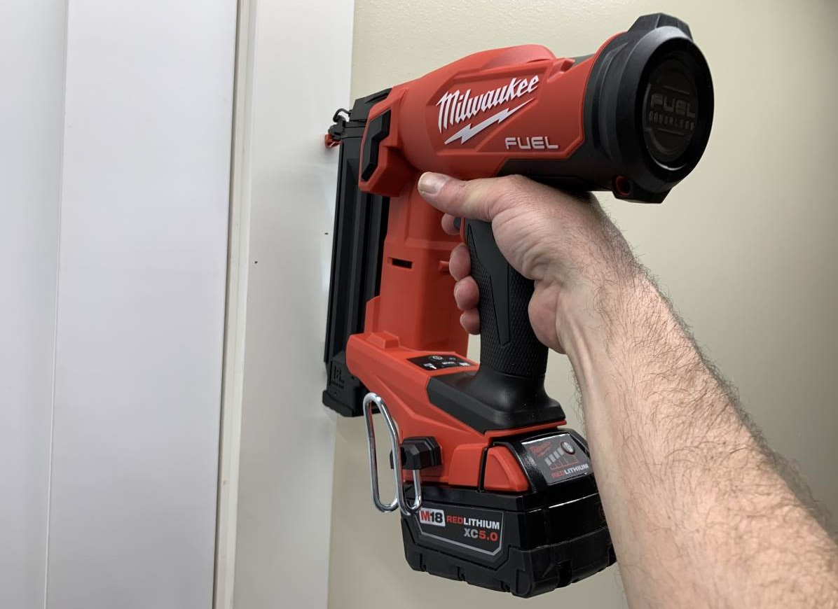 Milwaukee M18 2746-20 Cordless Brad Nailer Review