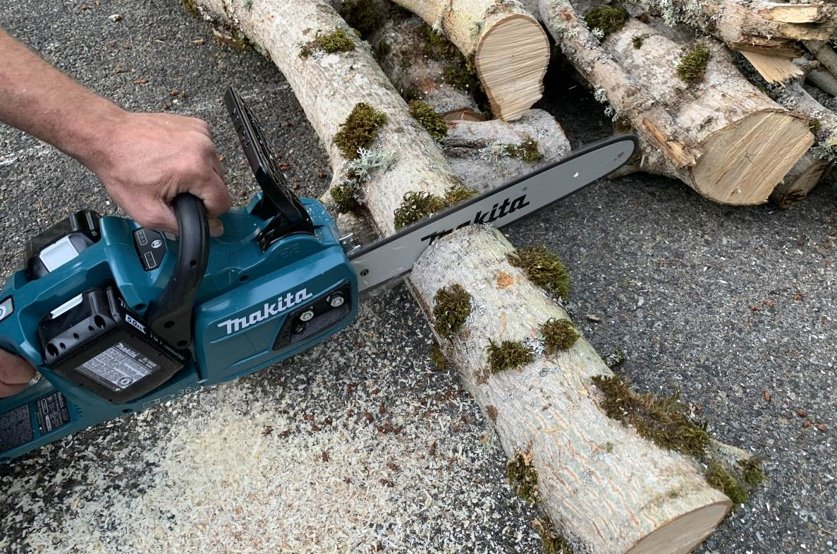 "Makita 18V X2 (36V) LXT Cordless 14"" Chainsaw Review XCU07PT"