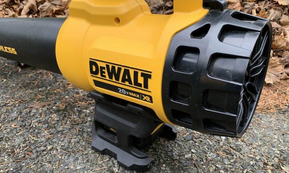 DeWalt DCBL720P1 3